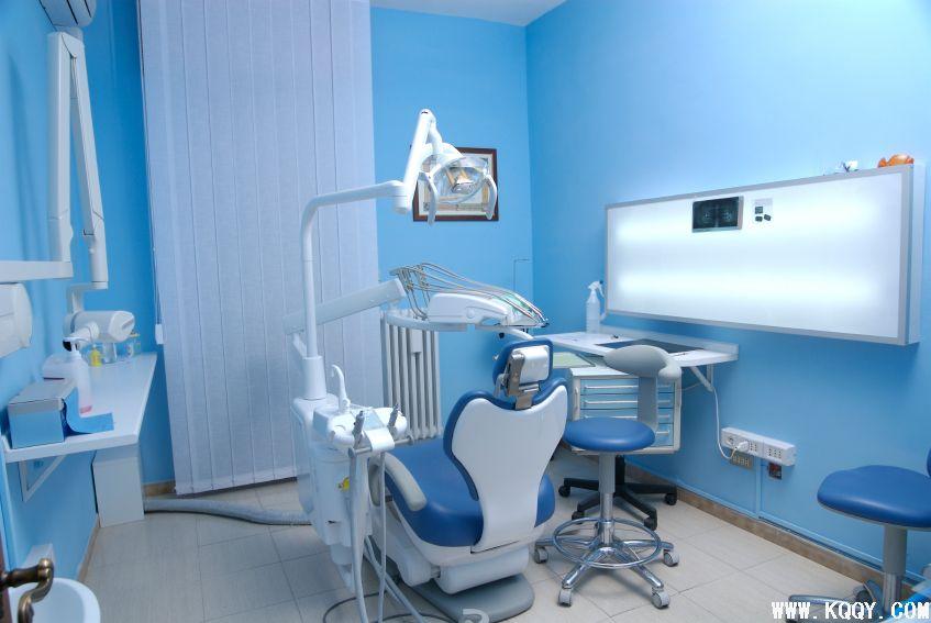 蓝色风格口腔诊所诊室设计-牙科装修-口腔前沿网